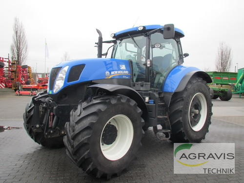 New Holland T 7.250 Power Command Rok výroby 2013 Pohon ctyr kol