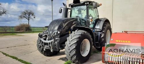 Valtra S 374 Year of Build 2014 Calbe / Saale