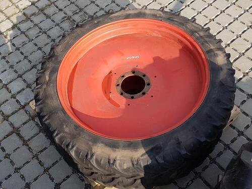 Bereifung Reifen Schläuche 11.2 R 48 Schladen