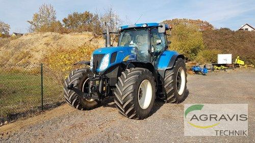 New Holland T 7070 Auto Command Baujahr 2011 Allrad