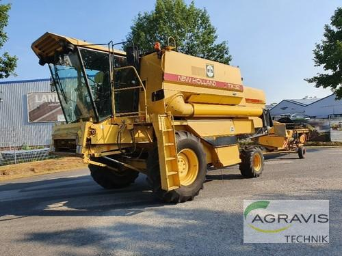 Combine Harvester New Holland - TX 32 HYDRO