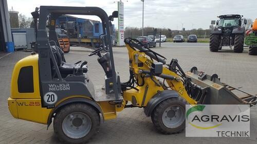 Farmyard Tractor WACKER - WL25