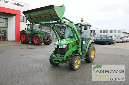 Traktor John Deere - 3045 R