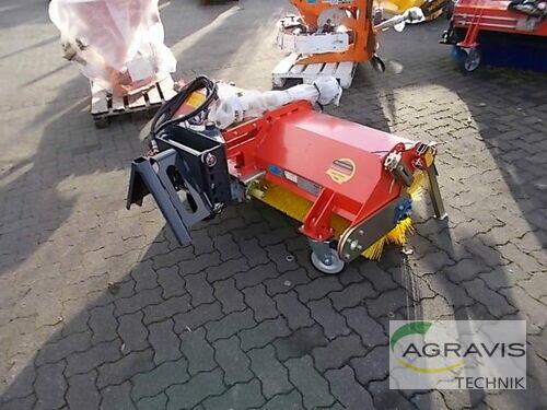 Adler Arbeitsmaschinen K 560-1500 Kehrmaschine anno di costruzione 2018 Olfen