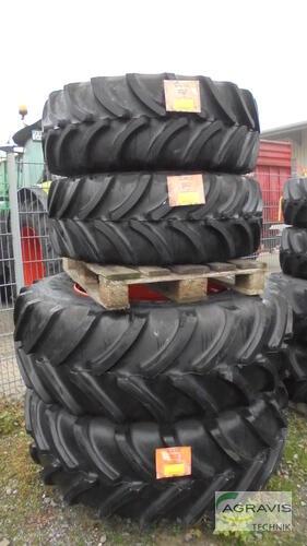 Firestone 540/65 R34 + 440/65 R24 Olfen