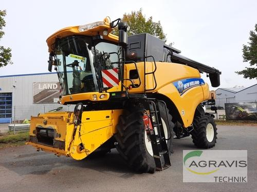 Combine Harvester New Holland - CR 8080 SCR 4WD/ ALLRAD