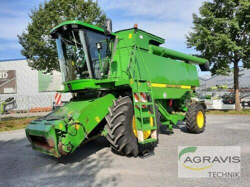 Combine Harvester John Deere - CTS