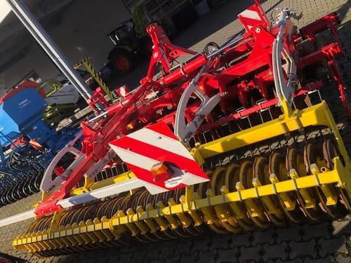 Pöttinger Terradisc 4001 T Année de construction 2015 Freigericht