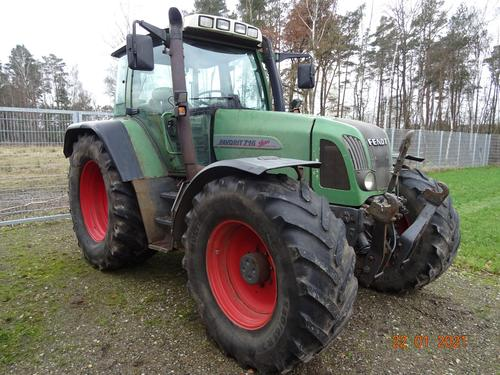 Fendt Favorit 716 Vario Year of Build 2002 Wittingen