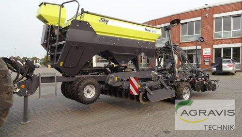 SKY Agriculture MAXI DRILL 3000 PRO