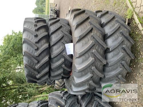 BKT 420/85-R30 // 520/85-R42