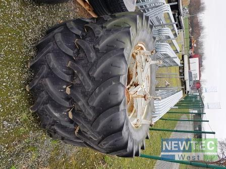 New Holland 520/70R38
