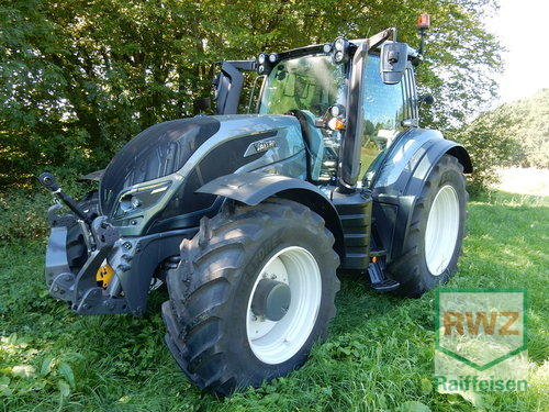 Valtra T214 Versu Smarttouch Year of Build 2019 4WD