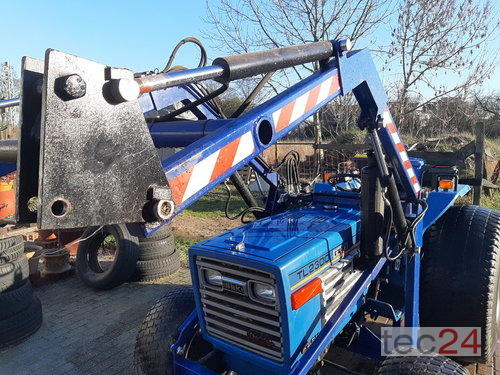 Iseki Tl 2300 Chargeur frontal A 4 roues motrices