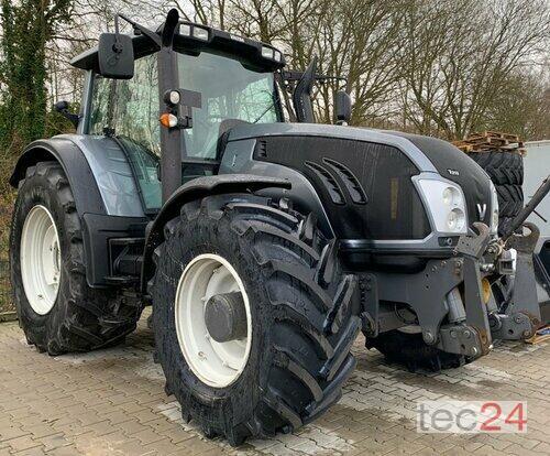 Valtra T 213 Versu Allrad Traktor Rok výroby 2014 Pohon ctyr kol