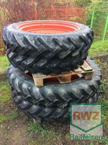 Zubehör Bereifung Reifen Schläuche - Satz Pflegeräder 9.5-32 und 11.2R44