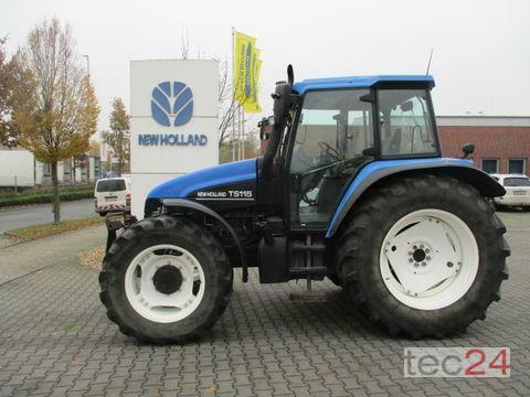 New Holland TS 115 Año de fabricación 2002 Accionamiento 4 ruedas