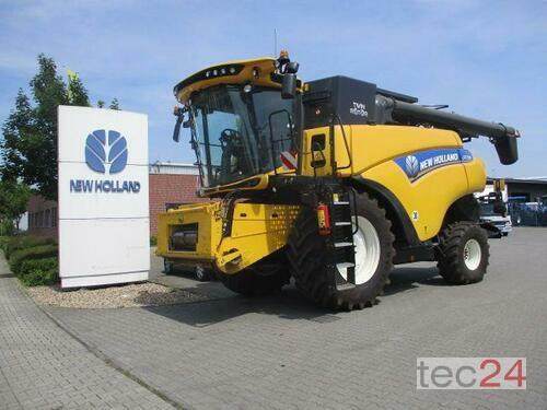 New Holland CR 7.90