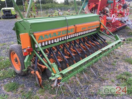Amazone D8-30 Super mit Rollscharen