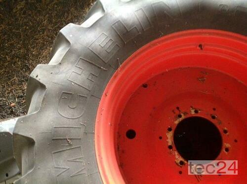 Michelin 600/70 R30  ; 710/70 R42