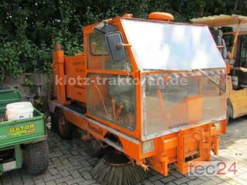 Kehrmaschine Mit Wasserbehälter Zweifingen