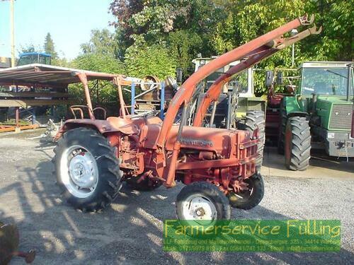 Farmall D-430, Reifen hi neu, Kühlerschlauch undicht, ...