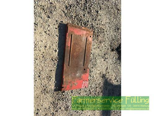 Case IH IHC 431 / 321 Batteriehalterung
