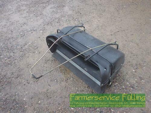 Auffangbehälter für Kehrmaschine