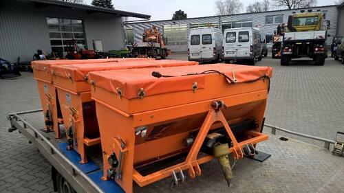 KMV Anbau-Streuer f. Kompakttraktor Typ TM 300G