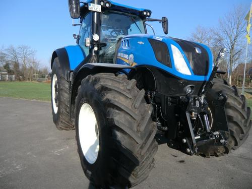 New Holland T 7.315 Auto Command Årsmodell 2016 4-hjulsdrift