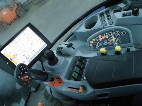 New Holland T 7.270 Auto Command Frontlader Baujahr 2013