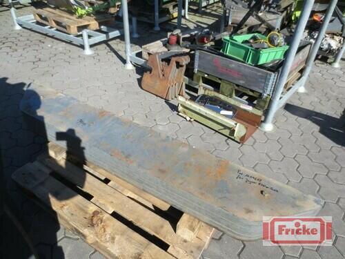 Claas 6 Heckgewichte Á 110 Kg Rok výroby 2002 Gyhum-Bockel
