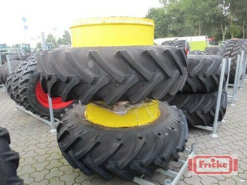 BKT 580/70 R42 Byggeår 2014 Gyhum-Bockel