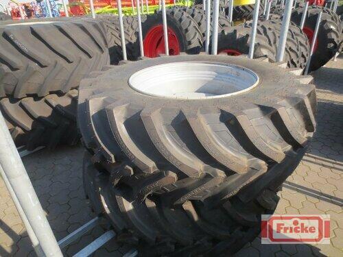Petlas 650/65 R 38 Baujahr 2015 Gyhum-Bockel