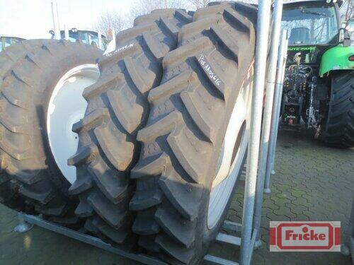 BKT 380/90 R50 Baujahr 2015 Gyhum-Bockel