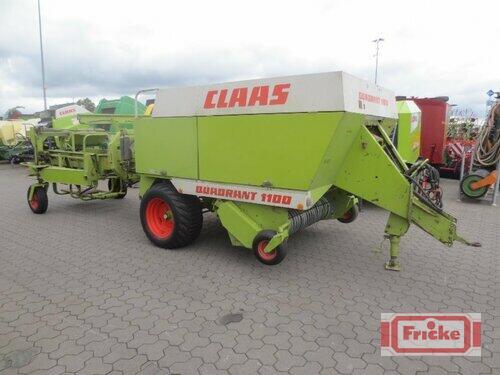 Claas Quadrant 1100 mit Ballenstapelwagen