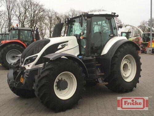Valtra T234 Versu Årsmodell 2015 4-hjulsdrift
