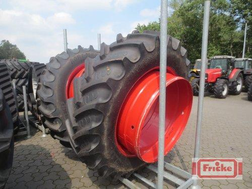 BKT 480/80r46 An 710/70r42 Baujahr 2018 Gyhum-Bockel