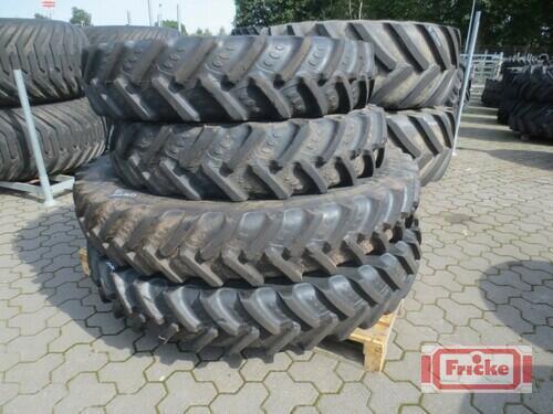 BKT 320/90r54//320/85r38 Gyhum-Bockel
