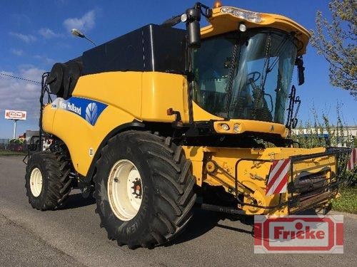 New Holland CR 9090 Elevation Year of Build 2010 4WD