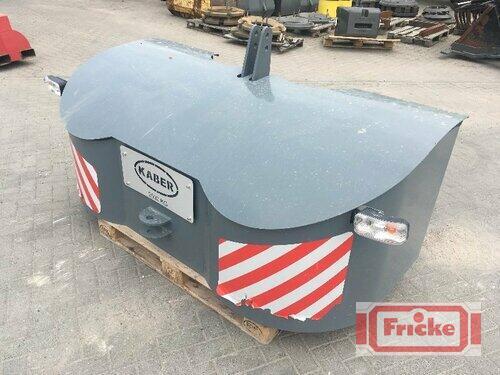 Kaber Frontgewicht 1.920 kg. Transportbox