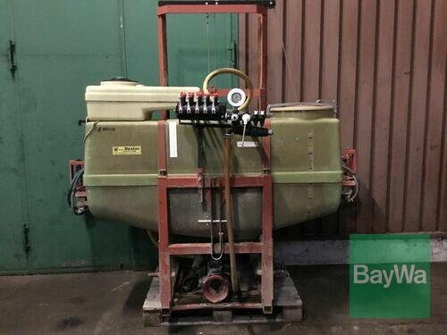 Schmotzer Anbauspritze 650 Liter