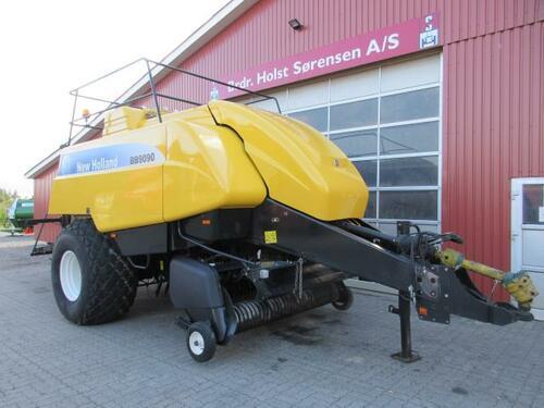 New Holland 9090 Baujahr 2009 Ribe