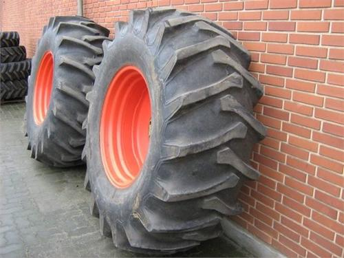 Claas 24,5x32 hjul