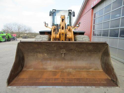 Case IH 821 E anno di costruzione 2006 Ribe