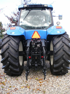 New Holland TG285