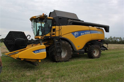 New Holland CX 8060 Middelfart