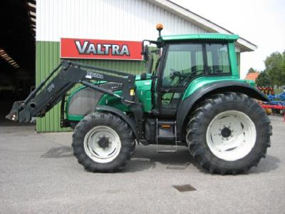 Valtra M120 Baujahr 2003 Bording