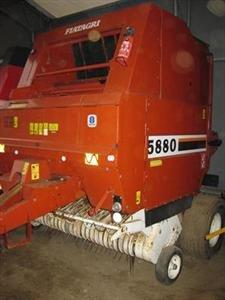 Hesston 5880 Baujahr 1995 Brande