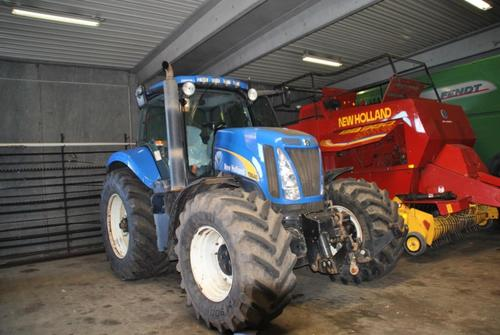 New Holland T 8040 Baujahr 2006 Hadsten